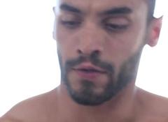 Ripper massagist facializing cocksucking client