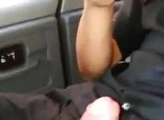 Chacalito se hace una paja en el cab