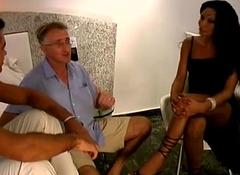 Brasilian trannie threesome without a condom