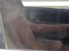 Guy foul-smelling draining while arriere pens'e = 'hidden motive'