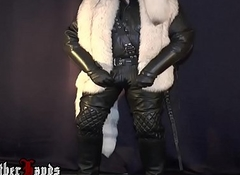 BlackLeatherHands WHIT BIG DILDO Increased by COCK Apropos WHITE FUR