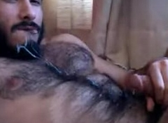 Brobdingnagian Hairy Guy Jizzes into his Mouth