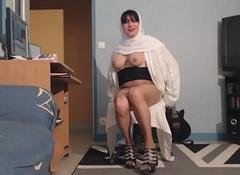 gros seins de musulmane voil&eacute_e