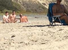 pega&ccedil_&atilde_o na praia de nudismo