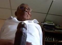 Old black grand-dad fuck white fatty
