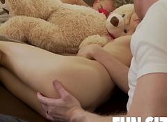 FunsizeBoys DILF weaken copulates two bald-headed boyhood in all directions same bed